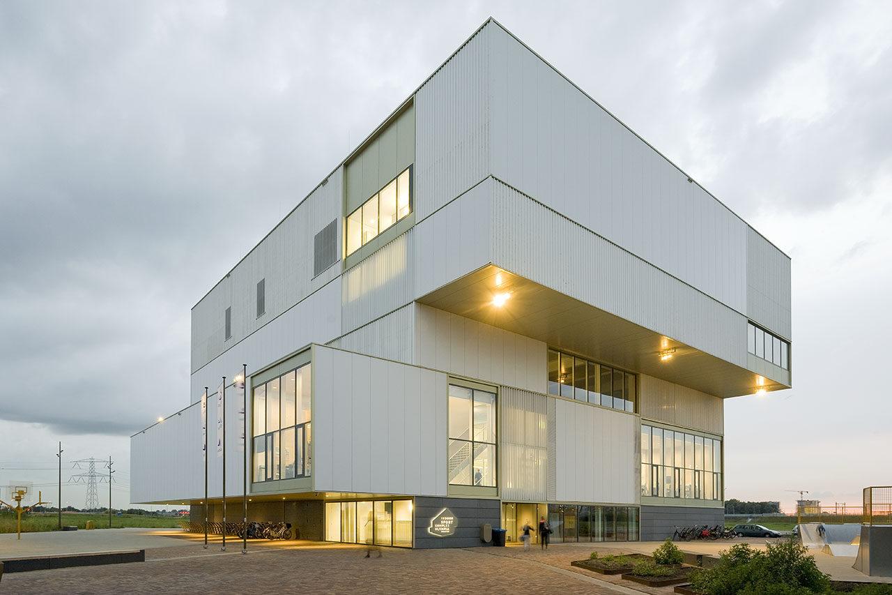 2521 Sportcentrum, Almere